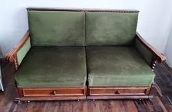 Régi koloniál kanapéágy eladó.