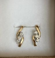 14k arany fülbevaló Gyémántokkal