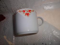 Retro Alföldi porcelán bögre  csipkebogyó mintával  ürtartalma 2,5 dl