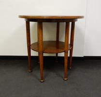 Szecessziós stílusú kerek asztal