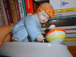 Zsolnay SINKÓ gyermek figura   -bugócsigás kisfiú -kézzel festett-hibátlan