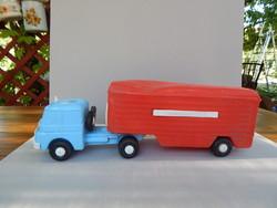 Régi ritka trafikáru bazáráru nagyobb áruszállító műanyag teherautó játék
