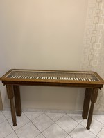 Egyedi különleges üveges konzolasztal, asztal zongorából