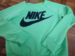 Nike gyerek pulóver eladó lemérve ! 4-6 éves