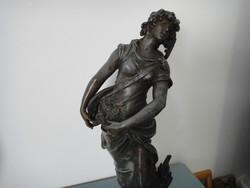 Antik Auguste Moreau ón szobor.