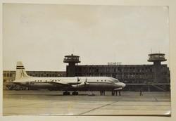 Régi képeslap MALÉV IL-18 repülőgép Budapest