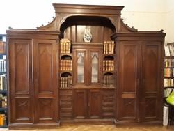4db-ból álló hatalmas eklektikus nagy szekrény a századfordulóról patikából