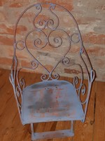 Kovácsoltvas gyerek ülés akár dekorációnak