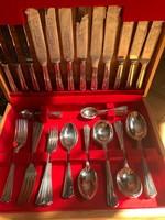 Angol étkészlet, 51 darabos, ezüstözött, eredeti számlával