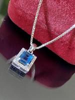 Káprázatos ezüst nyaklánc és Medál szintetikus Kék-Tipáz kővel