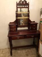 Mahagóni - fésülködőasztal