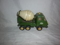 Retro szovjet kis játék teherautó mixer