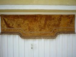 Aranysárga bársony drapéria, falvédő 200711