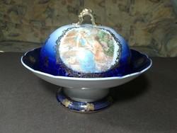 Barokkjelenetes porcelán különleges tálaló fedővel