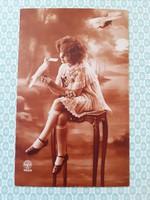Régi fotó képeslap kislány galambbal vintage francia levelezőlap