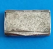 Ezüst gyógyszertartó dobozka