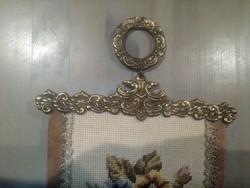 Réz szerelékes antik gobelin cselédhívó konzoljával