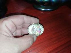 Szép régi jelenetes mini szelence