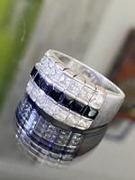 Lenyűgöző ezüst gyűrű, fekete és fehér cirkónia kövekkel