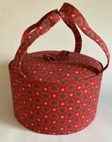 Varrós doboz piros textilbevonattal