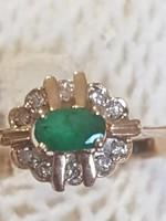 Gyönyörű 14.kr.arany gyűrű brill és smaragd.