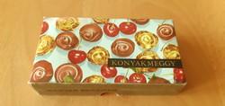 Csaknem 50 éves konyakmeggy doboz - Szerencsi Csokoládégyárból, ára: 13,50 Ft