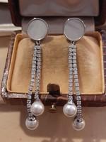 Ezüst art deco elegáns lógós köves gyöngyös fülbevaló gyöngyházzal és cirkóniákkal