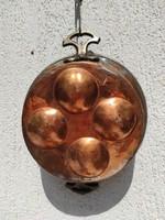 Gyönyörű Vörös réz sütő edény,tarkedli,tojàs sütő, díszes füllel, gyüjteménybe dekorációnak ajàndék