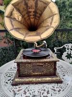 Különleges működőképes aranyszínű gramofon