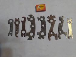 Nyolc darab régi, retro szerszám, kerékpár kulcs - együtt