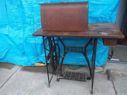 Antik Bobbin varrógép