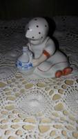 Zsolnay Annuska korsóval, porcelán figura