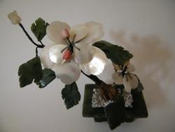 Jade ásványból, gyöngyház kagylóból készült mini virág, bonsai fa