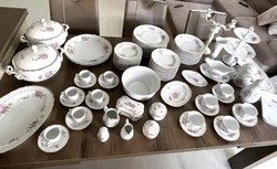 The dawn of Hollóház's 12-person tableware is 78 pieces
