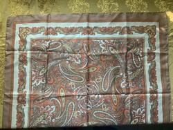 Parsley mintájú kendő 65 x 65 cm