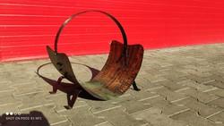 Kovácsolt vas és trébelt réz tűzifa tároló - hasáb szállító kandalló vagy cserép kályha mellé