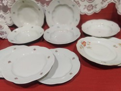 Régi zsolnay tányérok vegyesen