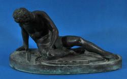 Egy haldokló Gladiátor, bronz asztali szobor