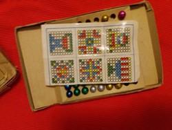 Antik múlt század elején gyártott gyártott fagolyós Silva Mosaic képkirakó játéka képek szerint