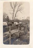 Katonai kisnyomtávú vasút, szekerek, katonák, éles kép, érdekes életkép a háborúból