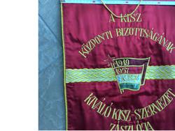 Zászló a szocialista időkből