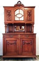 Antik faragott neo-klasszicista stílusú tálalószekrény a 19. századból