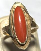 Antik 14 Karátos Arany  Gyűrű  Korallal és Mattírózással Díszítve