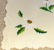 Daisy patterned running tablecloth, hand embroidered, new