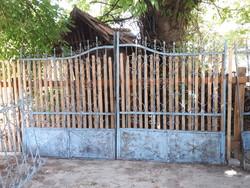 Kovácsolt kapu, kerítés