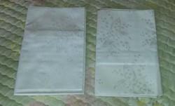 2 db fehér damaszt gyöngyvirágos párnahuzat, nem használt, nem mosott