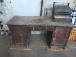 Antik retro íróasztal.
