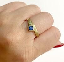 Csinos 14k arany gyűrű, kék kővel - 2,98g