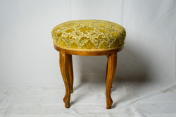 Neo-baroque footstool