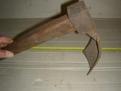 Antik teknővájó szerszám